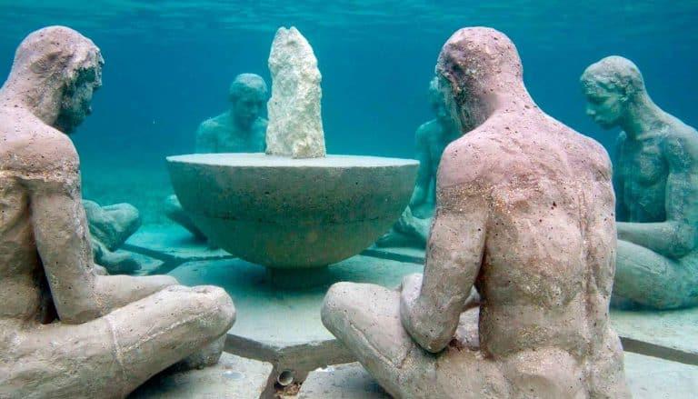 isla mujeres underwater sculpture