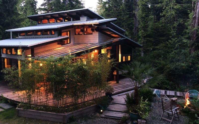 airbnb Cox Bay Cottage tofino