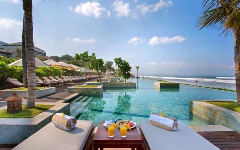 seminyak beach resort sm