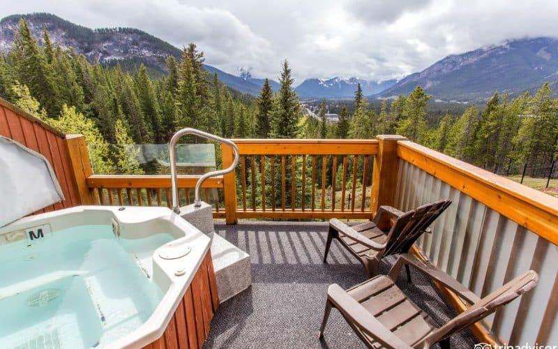 Hidden Ridge Resort king jacuzzi sm