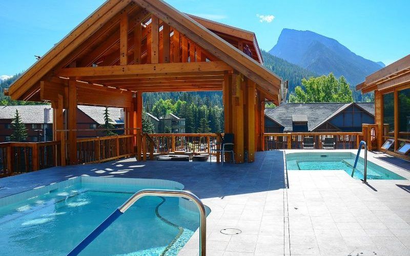 Moose Hotel Suites hot pools sm