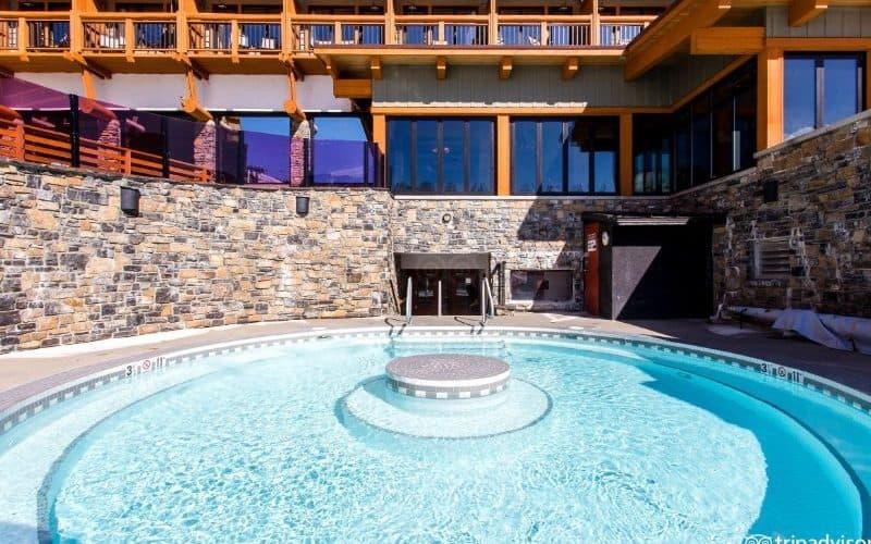 Sunshine Mountain Lodge banff hot tub sm
